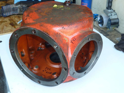 Picture of Cutterbar Impeller Drive Gearbox 56065220 Kuhn FC352G Disc Mower Conditioner