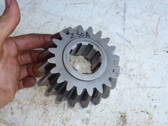 Picture of Splitter Gear 1005305 Woods BW180Q-2 BW126Q-2 BW180-3 BW126-2 Batwing Mower BW12