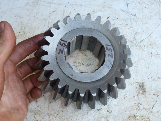 Picture of Splitter Gear 1005310 Woods BW180Q-2 BW126Q-2 BW180-3 BW126-2 Batwing Mower BW12