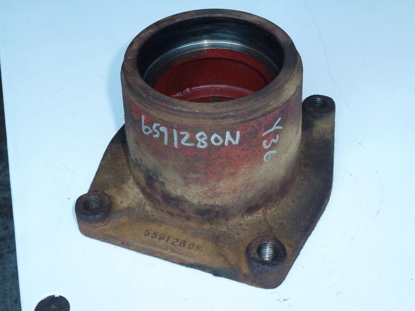 Picture of RH Outside Cutterbar Bearing Housing 55911800 Kuhn FC352G Disc Mower Conditioner 5591260N