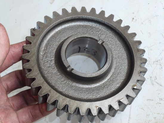 Picture of 35 Tooth Gear 3A011-34320 Kubota Tractor Transmission Input Shaft