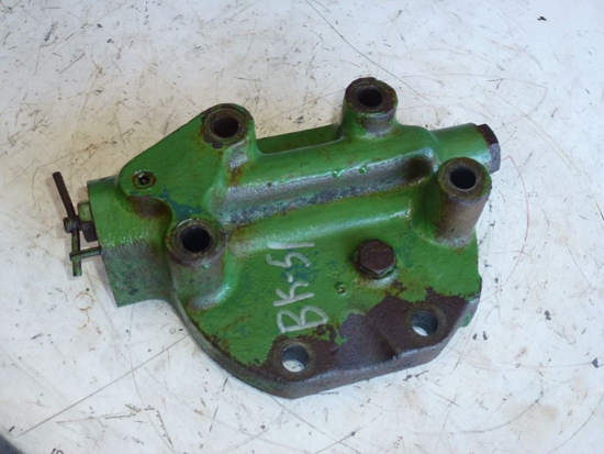 Picture of 3 Point Rockshaft Cylinder Cover Head CH18694 John Deere 1450 1650 Tractor