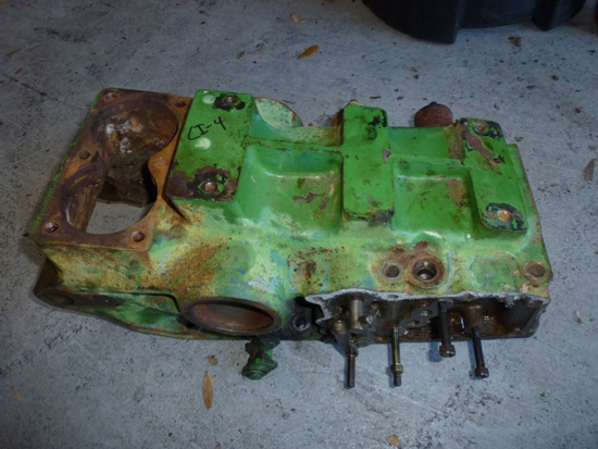 Picture of 3 Point Rockshaft Housing CH18686 John Deere 1450 1650 Tractor