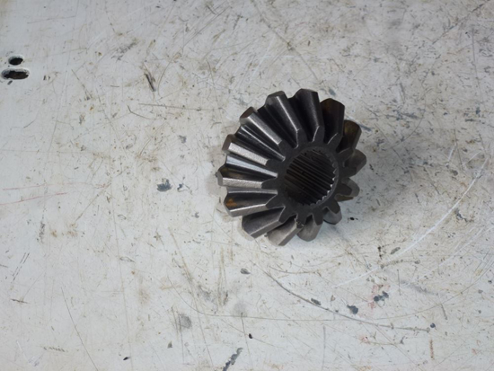 Picture of 4WD Axle Bevel Gear SBA326240600 New Holland MC28 Mower 87763736