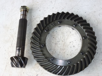 Picture of Rear Spiral Bevel Ring & Pinion Gears 35110-22100 Kubota L2350 Tractor 35110-22110 35110-26120