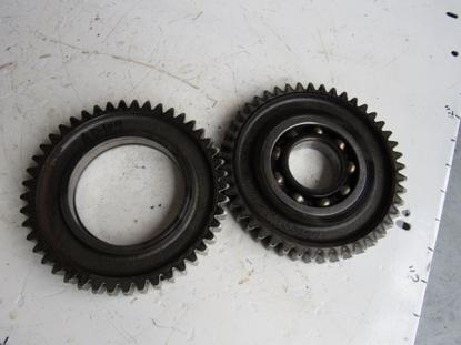 Picture of 2 Land Pride Gears w/ some rust 0.536.6001.00 DM3605 DM3606 DM3607 DM3705 DM3706 DM3707 Disc Mower 0536600100