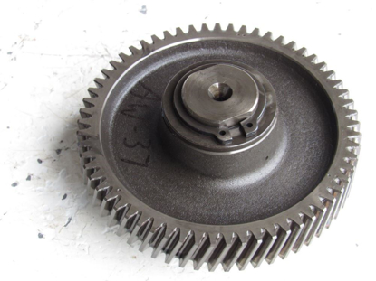 Picture of Kubota V1305-E V1505-E Idler Timing Gear & Shaft Ransomes Jacobsen 2500942 2500947