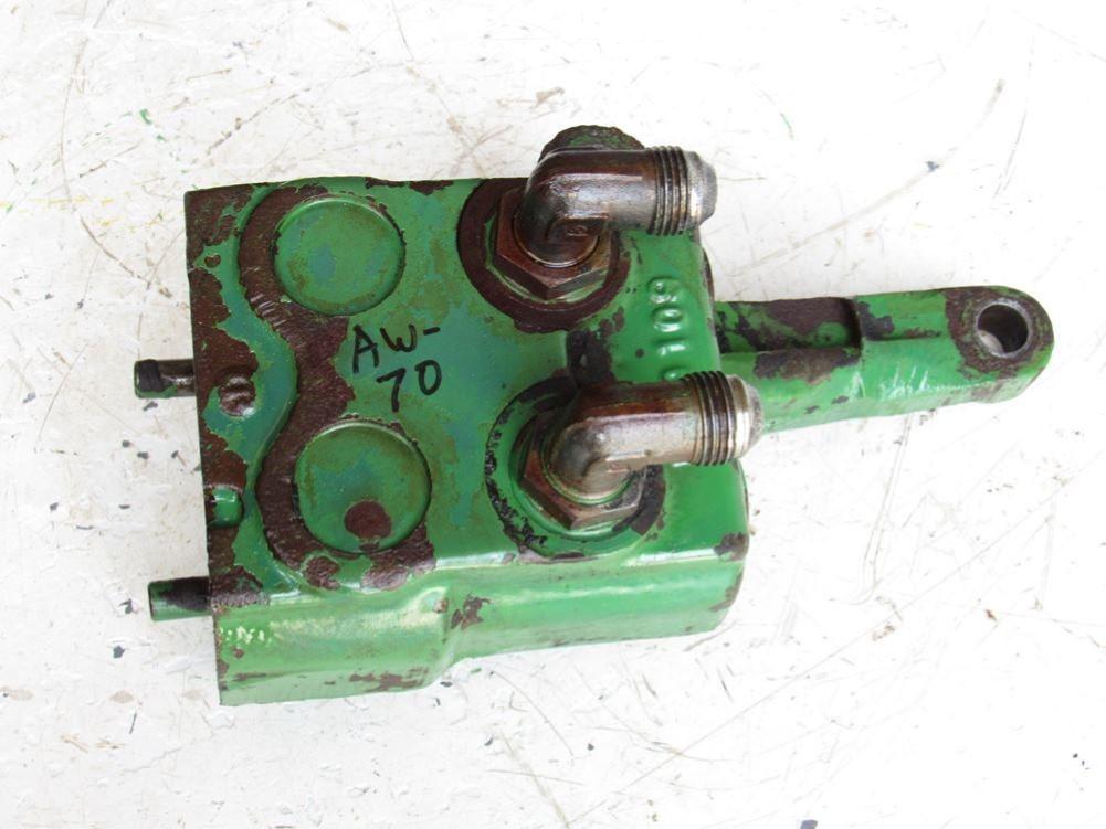 John Deere AR52621 Single Hydraulic Remote Selective Control Valve  Breakaway Coupler R39109