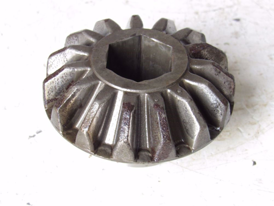 Picture of M&W 3236410 Cutterbar Horizontal Bevel Crown Gear Hex Bore 15T HC797 Hay Clipper Disc Mower