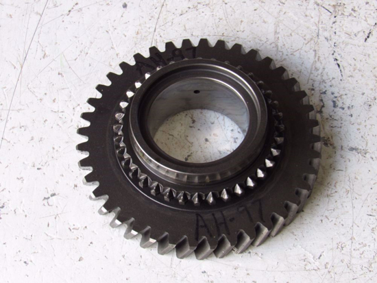 Picture of 40T Gear Wheel 1961955C1 Case IH 275 Compact Tractor Transmission Countershaft
