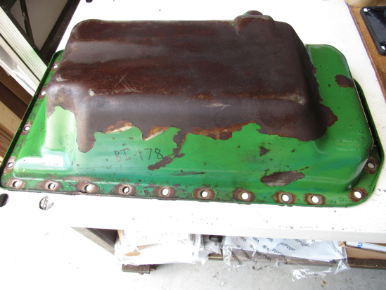 Picture of John Deere RE57482 Oil Pan R87814