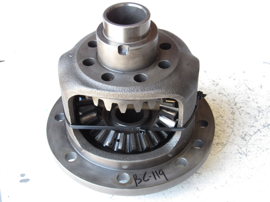 Picture of Kubota 36540-43120 Rear Differential w/ Gears 36540-43140 36540-43150 36330-32750 36540-43123