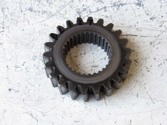 Picture of Kubota 32530-20560 Gear 22T