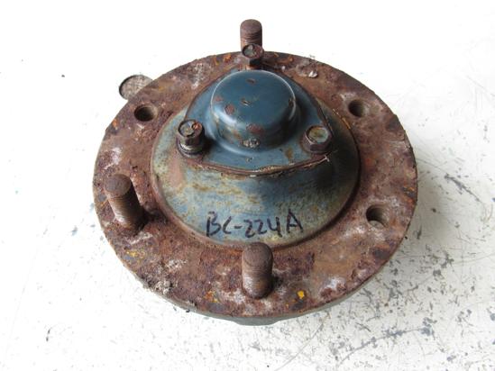Picture of Kubota 32530-11310 Front Wheel Hub