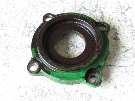 Picture of John Deere E85976 Bearing Housing 945 955 946 956 990 994 995 Moco Mower Conditioner