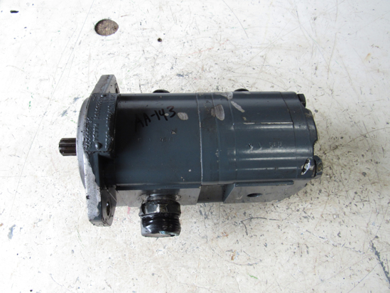 Picture of Hydraulic Gear Pump off Princeton Teledyne Forklift 2PB11.3/6.2S-65232-UA1