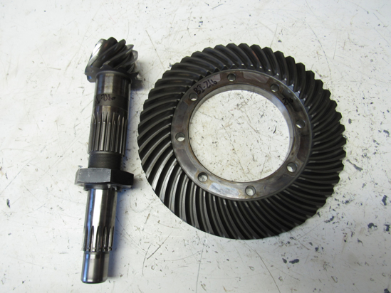 Picture of Massey Ferguson 3705790M91 Main Rear Ring & Pinion Differential Gears 1160 Tractor