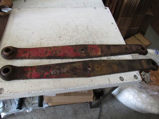 """Picture of 2 International IH 3 Point Draft Lift Arms 29"""" OC 1-1/8"""" & 1"""" Holes Category 2"""