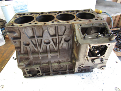 Picture of Kubota Cylinder Block Crankcase off 2003 V1505-E Engine Jacobsen 2812011 NEEDS WORK