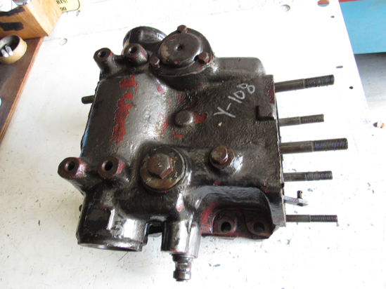 Picture of Allis Chalmers 72089809 3 Point Rockshaft Cylinder Housing Body AC Fiat