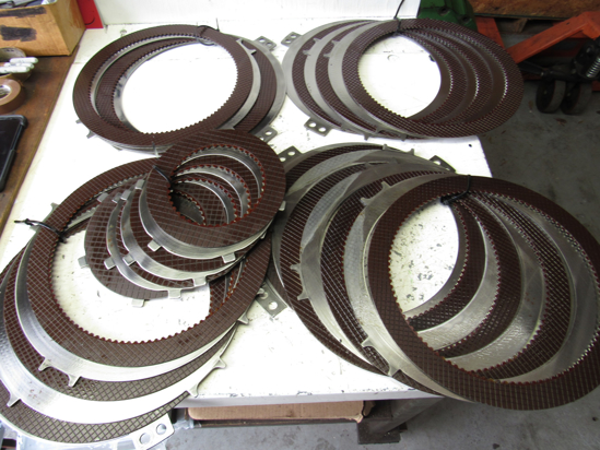 Picture of John Deere Power Shift Clutch Plates Disks Pack 4840 RE234259 R46416 R81922 AR94517 For Assy RE237933