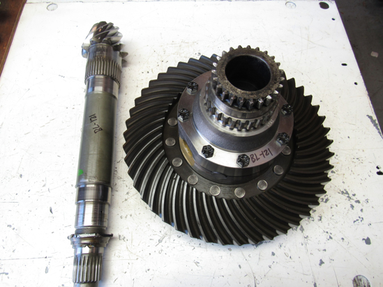 Picture of John Deere AL40820 Differential Assy Ring & Pinion Gears Housing AL70945 L41681 L37262 L31791 L28376 L29227 L31794