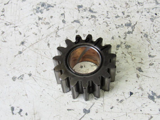 Picture of Kubota 35260-23180 Gear 15T