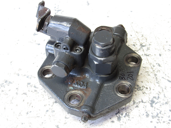 Picture of Kubota 3F740-82500 3 Point Hydraulic Cylinder Head Cover