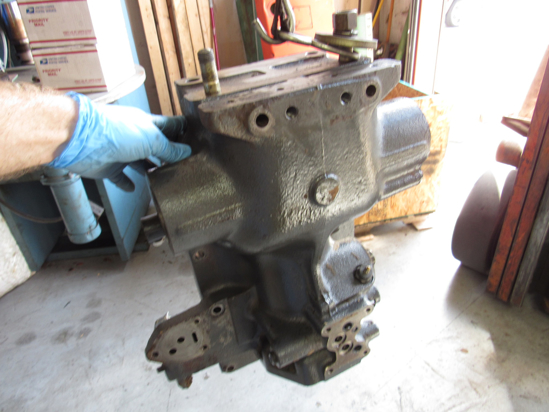 Picture of Kubota 3F240-82120 Point Hydraulic Cylinder Housing Rockshaft Case 3F240-82123 3F240-82126