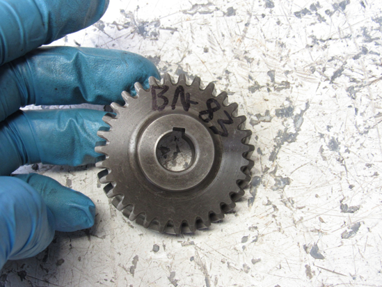 Picture of Kubota 15841-35660 Oil Pump Drive Gear D722 Engine
