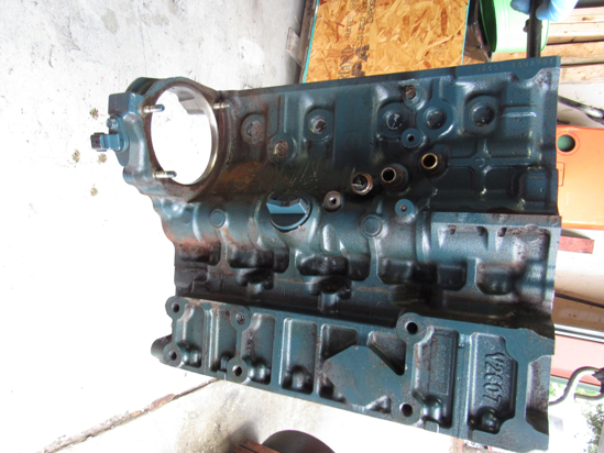Picture of Kubota 1J715-01020 Cylinder Block Crankcase NEEDS MACHINING off V2607-CR-T-EF08