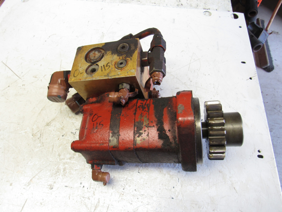 Picture of Ditch Witch 158-708 159-076 Hydraulic Ground Drive Motor & Manifold off 3500DD Trencher