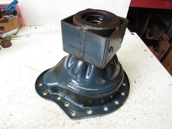 Picture of Kubota 32400-27332 LH Left Axle Case Housing 32400-27330 32400-27333