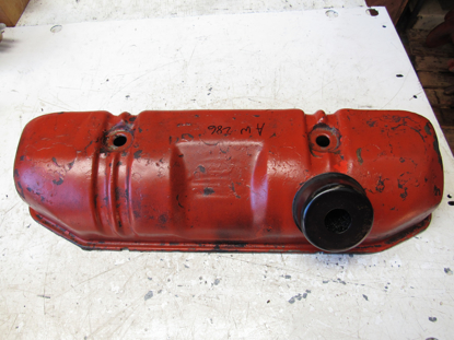 Picture of Valve Cover off 1982 Ford 172 Diesel in Ditch Witch R40 Trencher