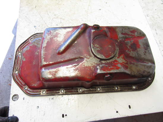 Picture of Oil Pan off 1982 Ford 172 Diesel in Ditch Witch R40 Trencher