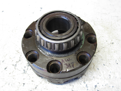 Picture of Rear non-steer Axle Differential Case Cover to Ditch Witch R40 Trencher 25543X