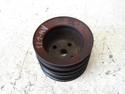 Picture of Water Pump Fan Drive Pulley off 1982 Ford 172 Diesel in Ditch Witch R40 Trencher