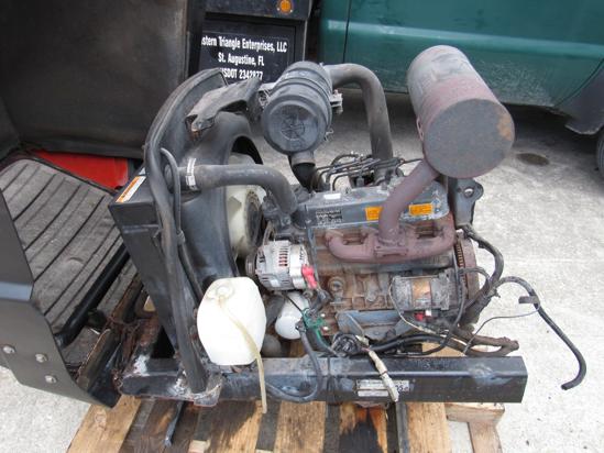 Picture of 2006 Kubota V1505-ES01 Diesel Engine Motor 35.5HP in Frame w/ Hood Radiator