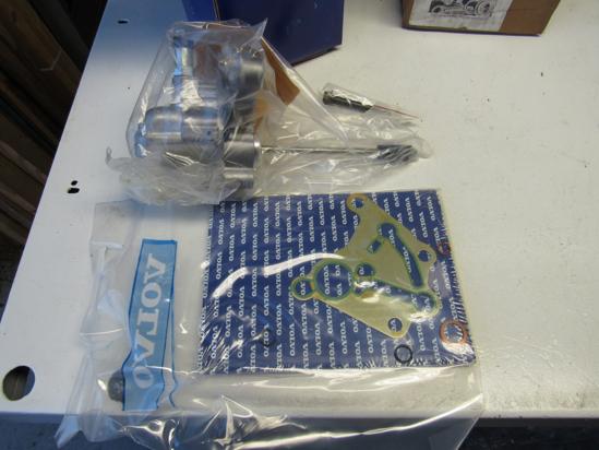 Picture of Unused Old Stock Genuine Volvo 85104373 Fuel Pump Kit