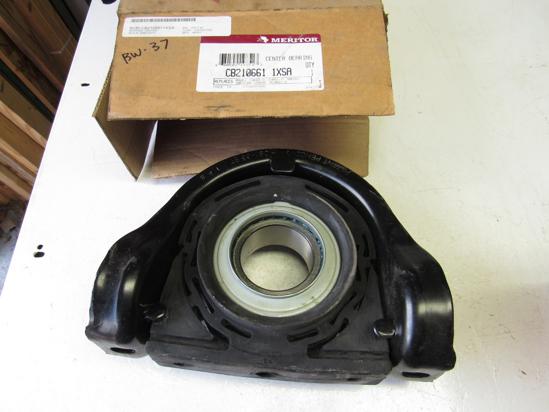 Picture of Unused Old Stock Meritor CB210661-1XSA CB2106611XSA 8235-CB2106611XSA Center Bearing