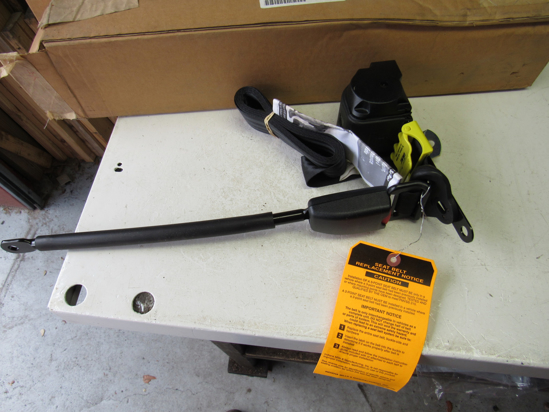 Picture of Unused Old Stock Mack 25186010 Seat Belt