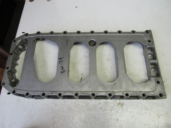 Picture of Cylinder Block Oil Pan Spacer off Yanmar 4TNV88-BDSA2 Diesel Engine