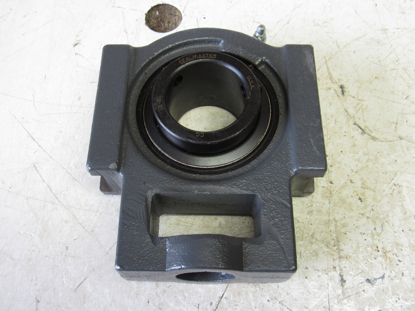 """Picture of Unused Old Stock SealMaster ST-32 2"""" Center Pull Take Up Bearing ST32"""