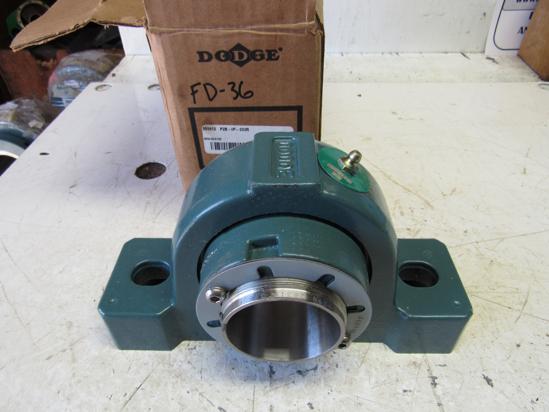 "Picture of Unused Old Stock Baldor Dodge 069412 P2B-IP-203R P2BIP203R Pillow Block Bearing 2-3/16"""