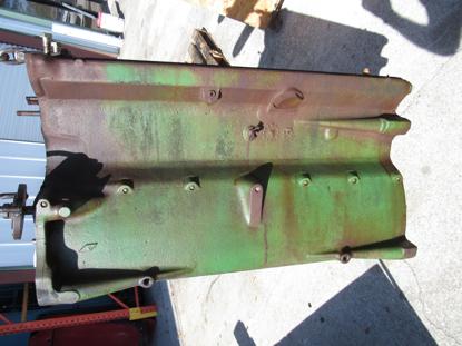 Picture of John Deere AR64410 AR64406 Cylinder Block Crank Case RE19872 R55012 R55037