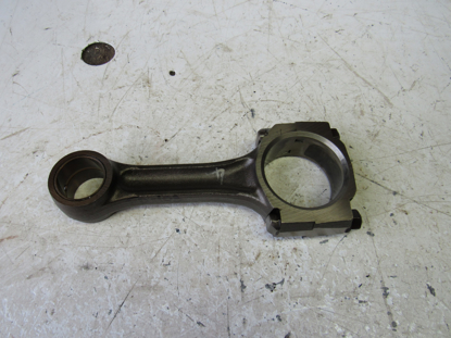Picture of Connecting Rod off 2002 Isuzu D201 ThermoKing Diesel Engine FM3457